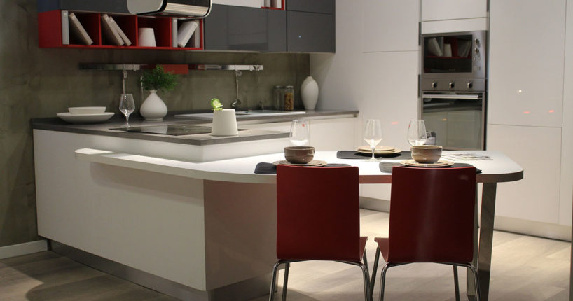 Panele szklane - modny i praktyczny element wystroju kuchni